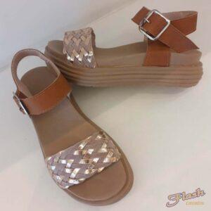 Sandalia More